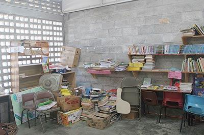 v1_dominica-shelves